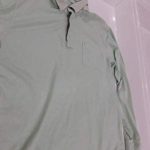 Vineyard Vines light green henley